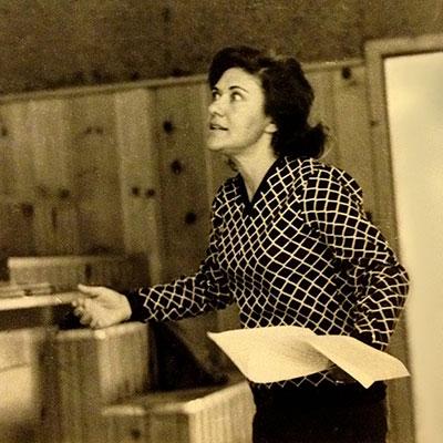 Sabell Bender, Mittleshule Drama Director
